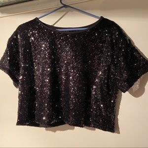 sparkly sequins cropped top